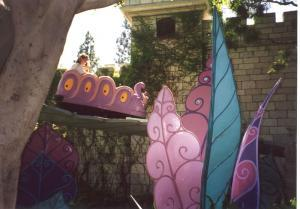 Disneyland - Alice in Wonderland Ride - wikipedia