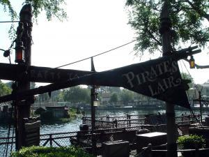 Disneyland - Pirates - Lair - by - SolarSurfer - Wikipedia