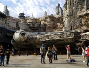 Disneyland - Star Wars Galaxy's Edge Millennium Falcon
