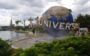Universal Studios Orlando - Main Entrance Globe