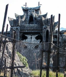 Universal Islands of adventure - Skull Idland - Wikipedia by Paulo Guereta