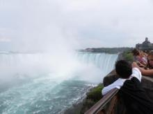 Niagara Falls Canada - Trail along the river