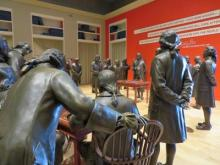 Philadelphia National Constitution Center - Signing Declaration of independence