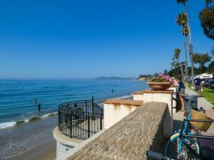 Santa Barbara - e-bike tour - Butterfly Beach