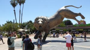 San Diego Zoo - Rex's Roar - Wikipedia - by Jim1138