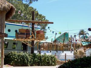 SeaWorld San Diego - Shipwreck Cafe - by lori05871 - Flickr